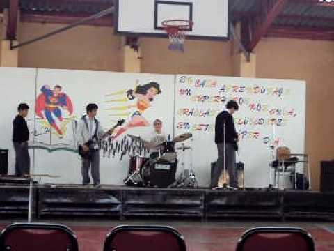 tocando después del acto, día del profesor, San Fernando College