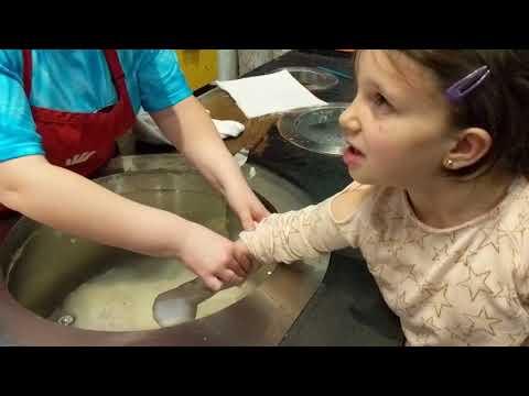 Making a Wax Hand in Niagara Falls
