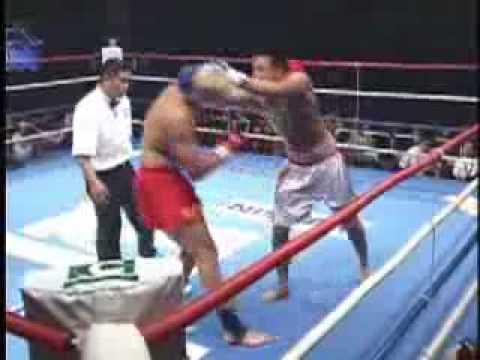 Takeru vs Andrew Thomson ( Karate vs Taekwondo )
