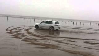 Golf R7 4WD drifting on beach