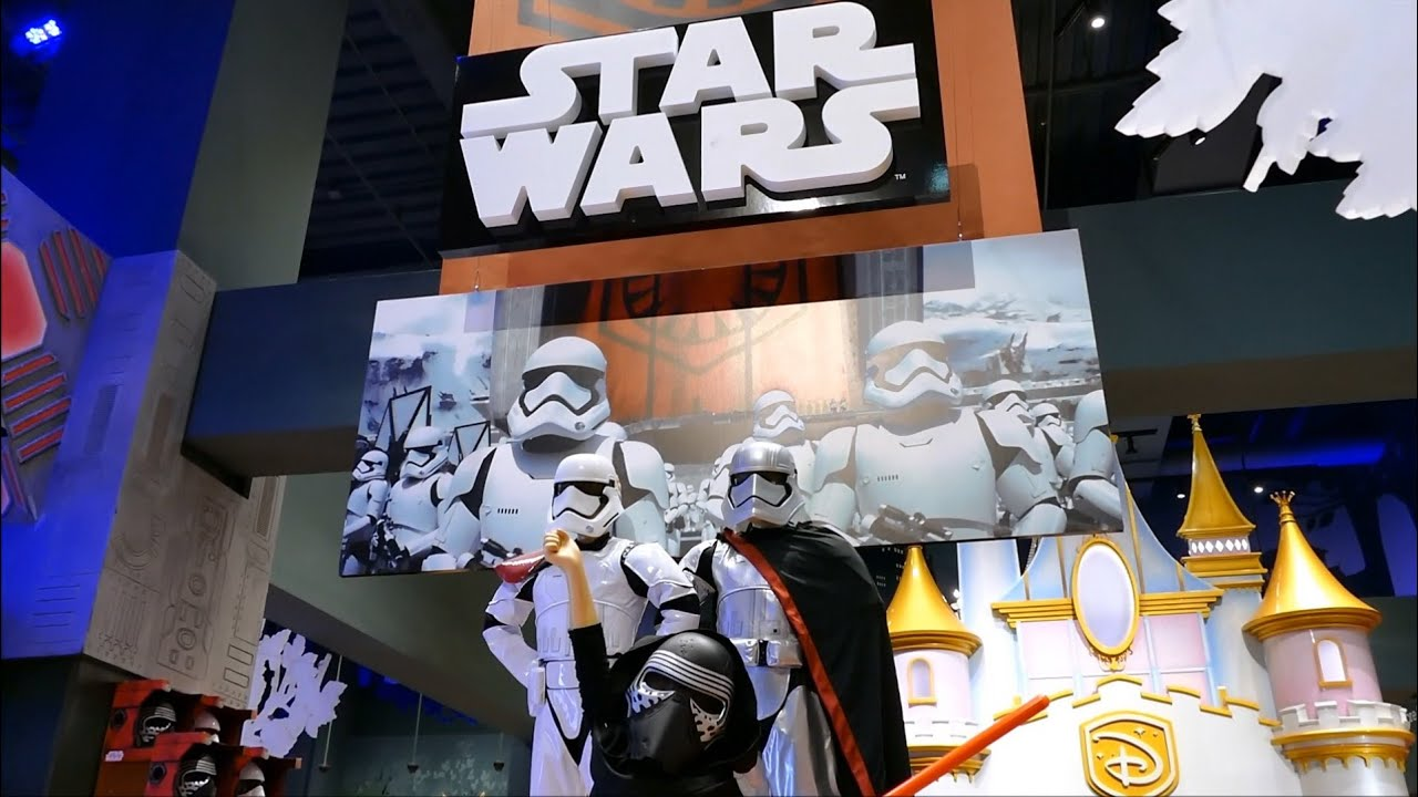 star wars toys in disney store the force awakens in. Black Bedroom Furniture Sets. Home Design Ideas
