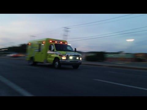 SPLL ambulance 9506 responding in Terrebonne QC
