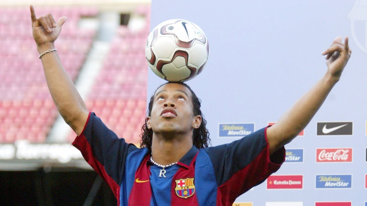 15 years since Ronaldinho's presentation as a Barça player - YouTube
