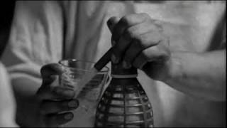 Bolivia - Director: Adrián Caetano ♫ Música: Los Kjarkas ♫