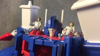 Takara Tomy Mp-22 Ultra Magnus Thumbnail