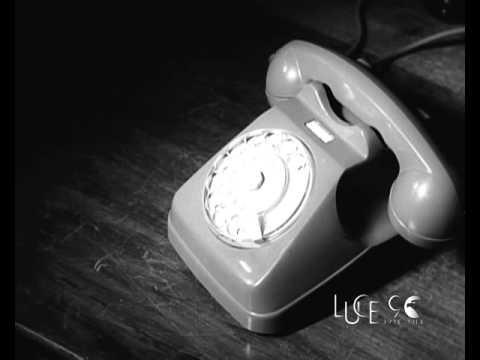 Alba riceve un messaggio telefonico attraverso il satellite Telestar (1962)