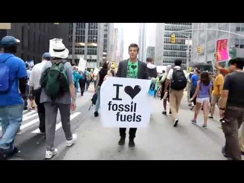 """Alex Epstein at People's Climate March: Part 3, """"You Know, Your Clothes are Fracked!"""""""