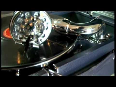 1927 La Voix de son Maître 101 (Portable Gramophone)de YouTube · Haute définition · Durée:  3 minutes 24 secondes · vues 862 fois · Ajouté le 27.04.2016 · Ajouté par Kenneth Isaac
