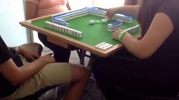 Playing Chinese Mahjong