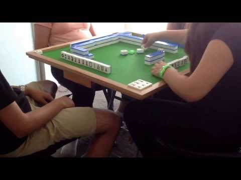 Playing Chinese Mahjong