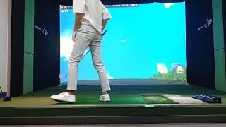 [날아라 오비] 나홀로 스크린 골프 4번 아이언샷 비거…