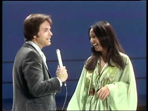 Dick Clark Interviews Yvonne Elliman - American Bandstand 1976