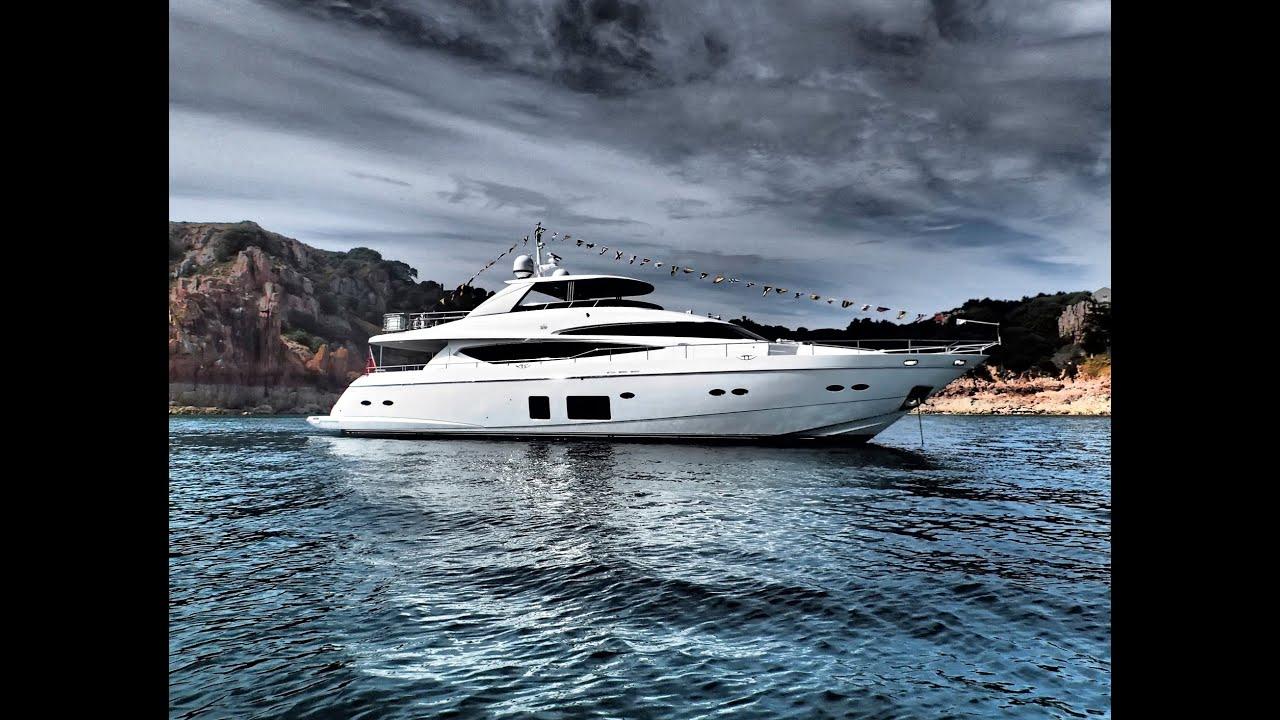 Motor Yacht: Flybridge Motor Yacht