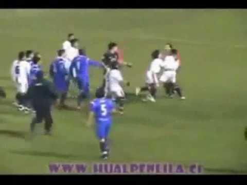 Paraguay footballer José Pedrozo tries to strangle referee
