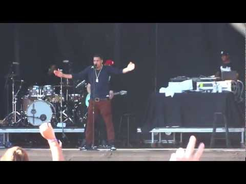 J. Cole - Grew Up Fast / The Cure (Live at Lollapalooza 2012)