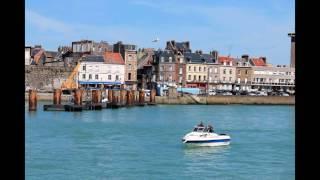 C'est une maison bleue!Gite la goelette en Normandie Saint Martin en Campagne