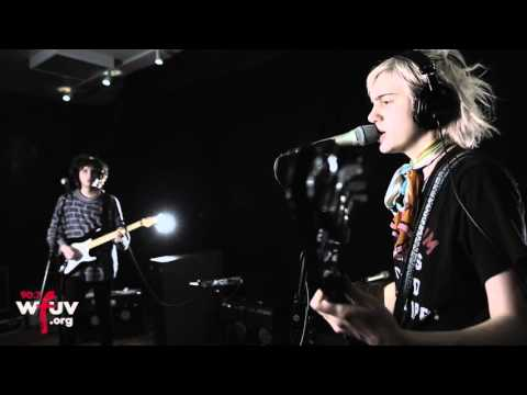 """Sunflower Bean - """"Come On"""" (Live at WFUV)"""