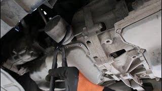 Замена масла и фильтров в двигателе на Volkswagen POLO 1,6 Фольксваген Поло 2017 года
