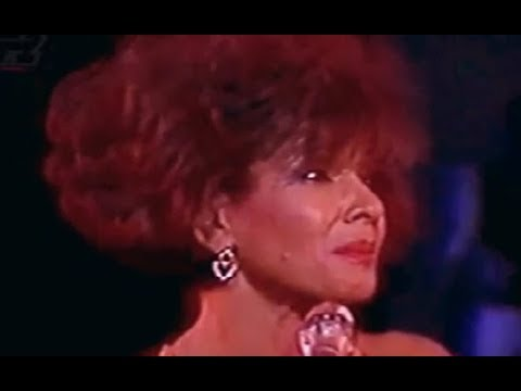 Shirley Bassey - Never Never Never (1991 Live In Greece)