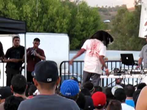 MURS performs Lookin' Fly @ Cal Poly Pomona