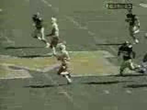 Eric Crouch 95 yd TD run against Missouri (2001)