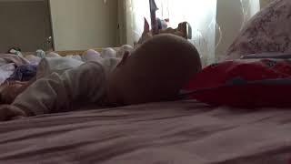 Учимся ползать. Обучение ползанию. Ребёнок 5 месяцев. Как научить ребёнка ползать.