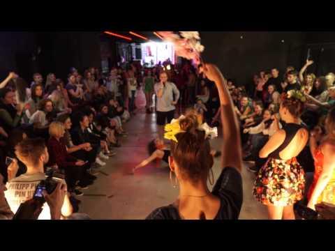 4 Seasons Vogue Ball || Vogue Femme category
