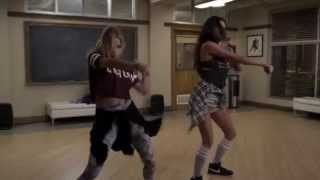 "Pretty Little Liars - Emily & Hanna dancing 5x21 song ""Bang Bang by Ariana Grande"""