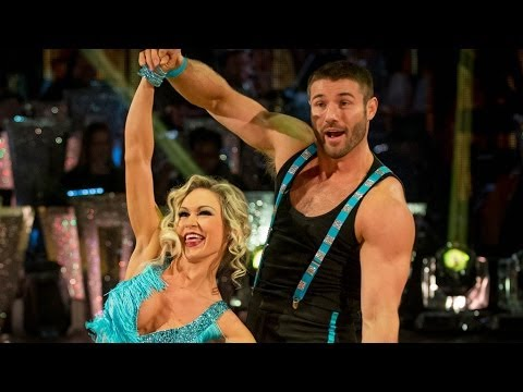 Ben Cohen & Kristina dance the Charleston to 'No Diggity' - Strictly Come Dancing: 2013 - BBC One
