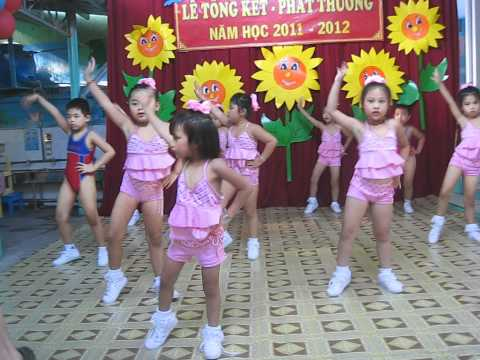 Bé Lê Ngọc Trinh nhảy aerobic cực sung !!!