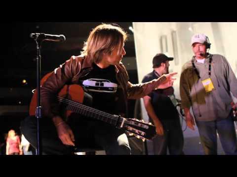 Keith Urban: Get Closer To The 2011 ACM Awards