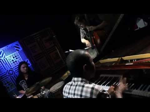 "<span class=""title"">Figueira - Hercules Gomes Trio</span>"