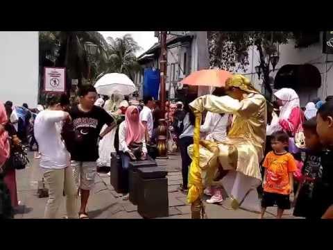 Hiruk pikuk di Kota Tua Jakarta