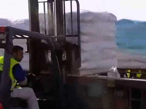 Israel Sends Humanitarian Aid into Gaza