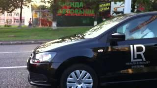 Машины LR едут по городу! VW Polo и Mercedes!(, 2013-04-05T08:10:55.000Z)