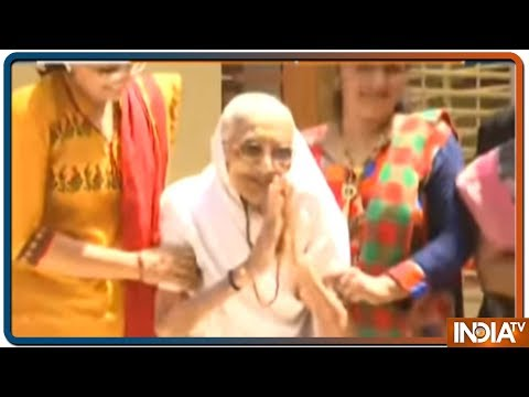 Narendra Modi's mother Heeraben Modi thank people for supporting his son