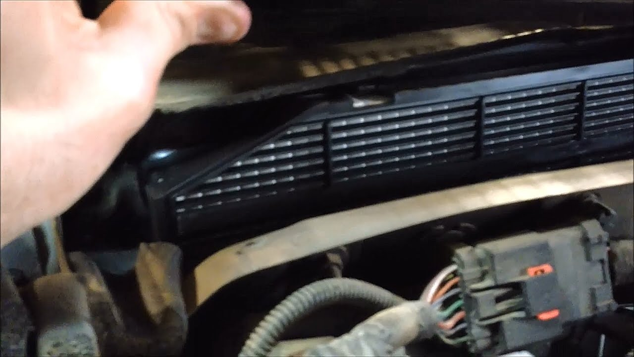 Jeep grand cherokee cabin air filter kit 82208300 youtube for Interieur filter
