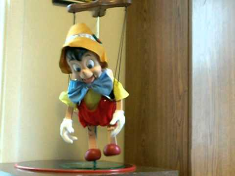 Pinocchio singing dancing Walt Disney Christmas toy - YouTube