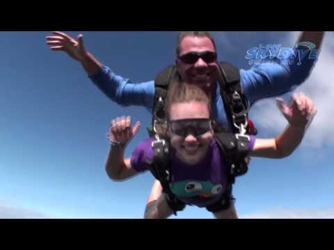 Katelyn Kempf's Tandem skydive!