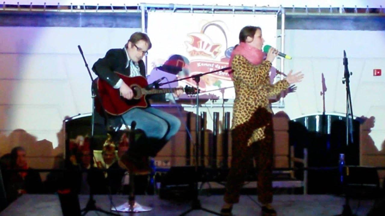 robin-een-laatste-liedje-live-afsluiting-carnaval-2014-tullepetaonestad-gerard-van-zalinge
