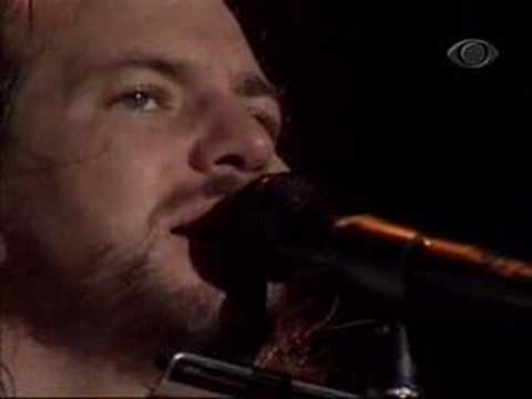 Pearl Jam - You've Got To Hide Your Love Away - BAND 12-17