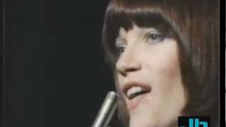 Kiki Dee - Loving and Free (Top Of The Pops September 23, 1976)