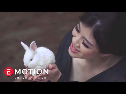 Agatha Suci - Lagu Bintang (Official Video)
