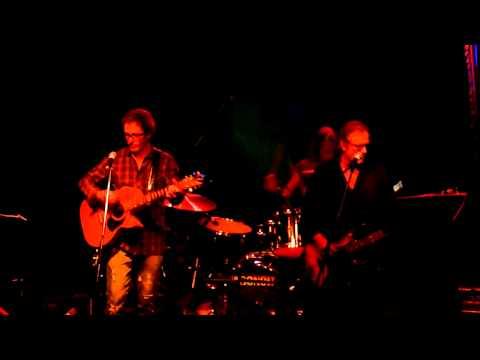 Steve Kilbey & Mark Gable - Throw My Arms Around You