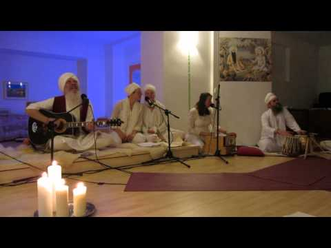 Sat Hari Singh und der Adi Shakti Chor - Dhan Dhan Ram Das Guru