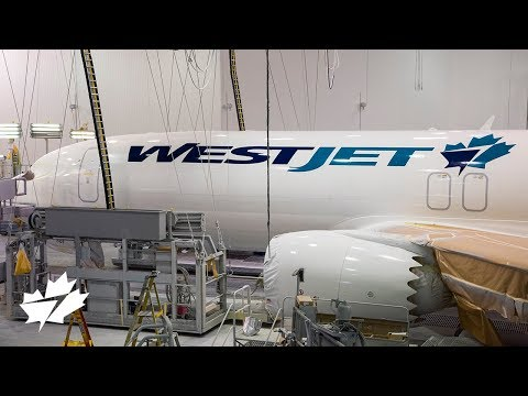 Painting WestJet's first Boeing 737 MAX 8 aircraft