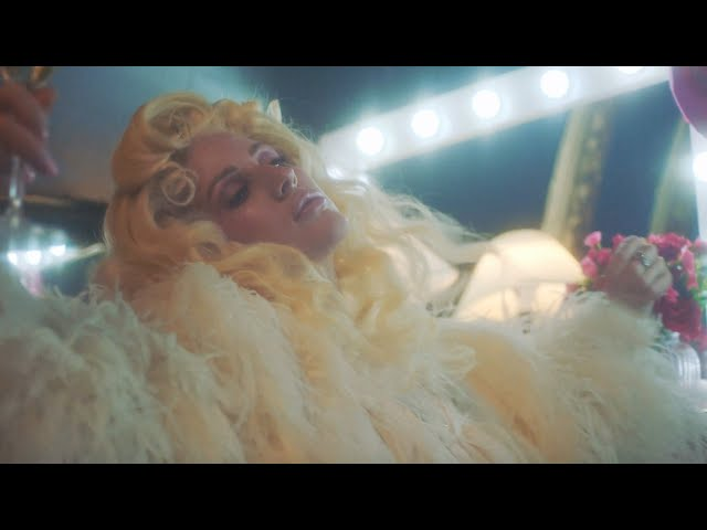 Silk City - New Love (feat. Ellie Goulding) (Official Music Video)
