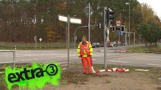 Realer Irrsinn: Bahnübergangsposse in Lübeck | extra 3 | NDR