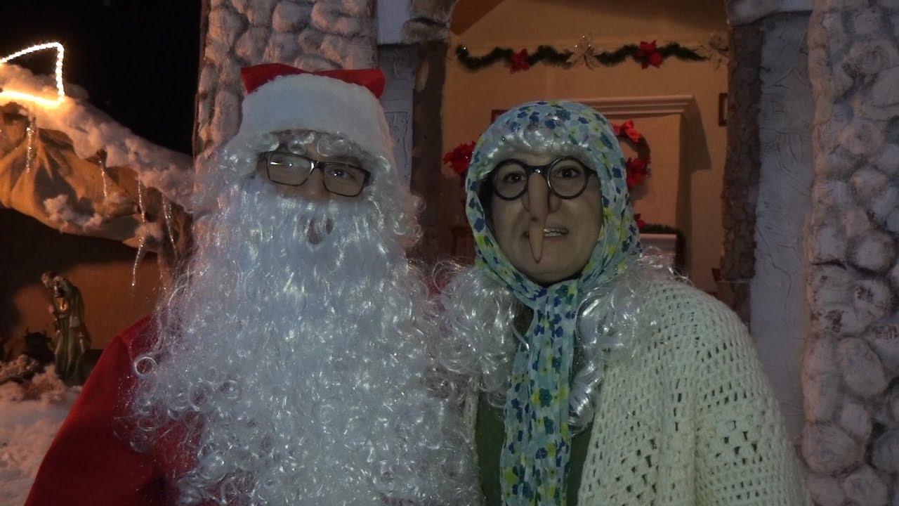 Befana E Babbo Natale.Sava Al Villaggio Di Babbo Natale Arriva La Befana Youtube