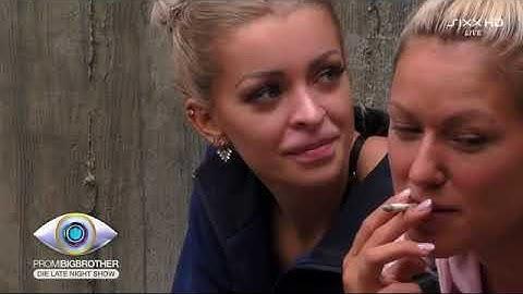 """""""Ich bin eng, weil ich trainiert bin"""" - Intimer Talk zwischen Katja und Chethrin   Promi Big Brother"""